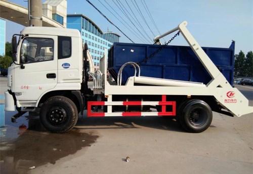 东风145国五摆臂式垃圾车
