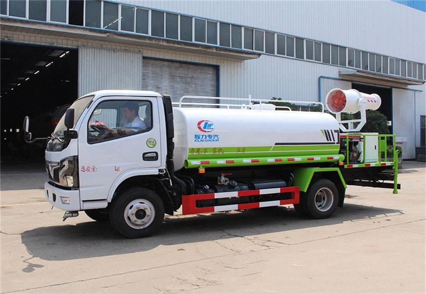 国六小多利卡5吨绿化喷洒车