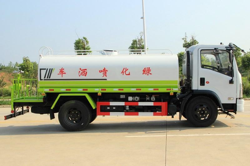 国六大福瑞卡 9.2吨 洒水车