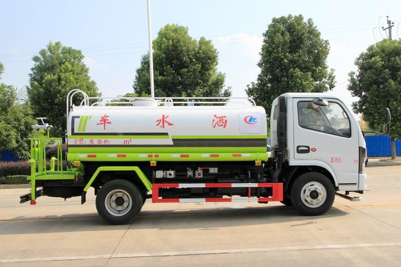 国六东风小多利卡 5吨 洒水车