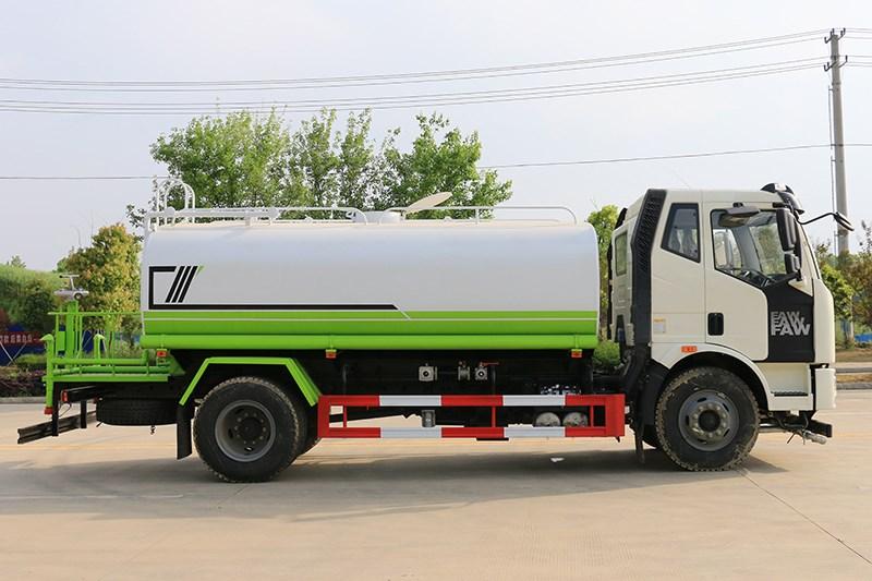 国六解放 13吨 洒水车